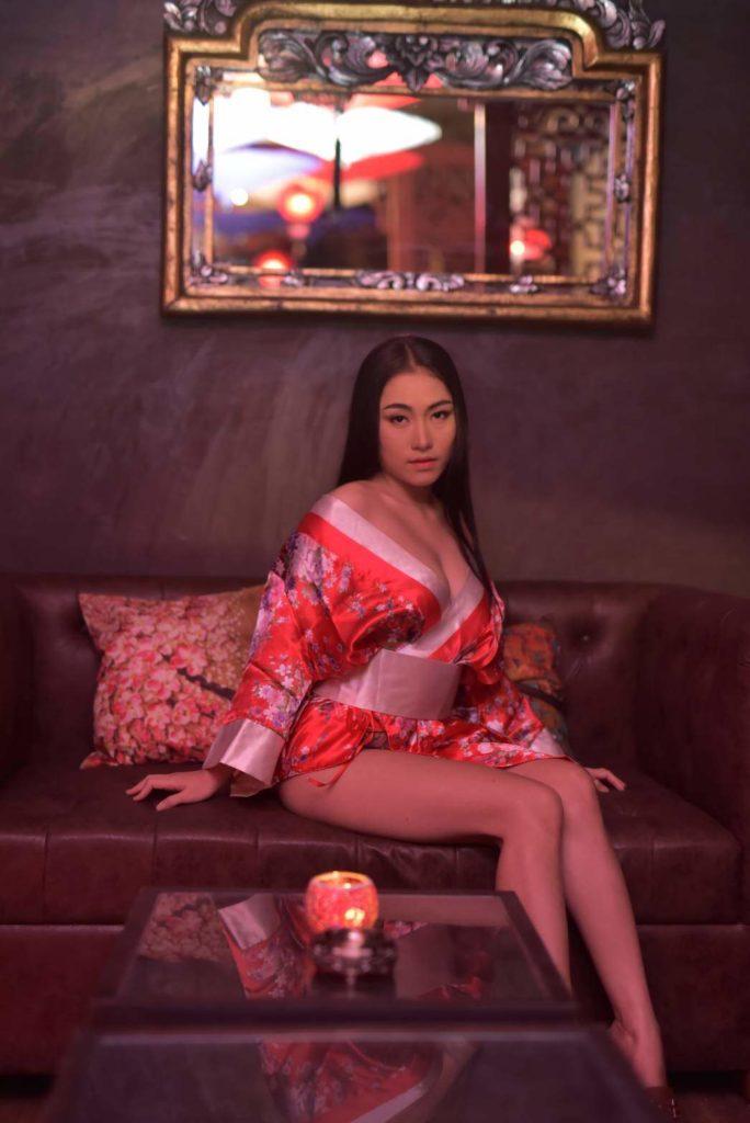 Beautiful Thai Girls - Massage Shop